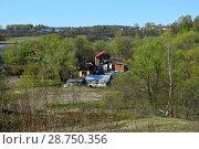 Купить «Частный сектор в Волоколамске Московской области», эксклюзивное фото № 28750356, снято 6 мая 2015 г. (c) lana1501 / Фотобанк Лори