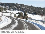 Купить «Road of Aragon with snow, Spain», фото № 28775332, снято 16 августа 2018 г. (c) age Fotostock / Фотобанк Лори
