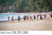 Купить «Тайцы играют в футбол на пляже», фото № 28781280, снято 21 июля 2018 г. (c) Александр Романов / Фотобанк Лори