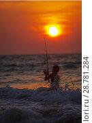 Купить «Рыбалка на вечерней заре. Таиланд», фото № 28781284, снято 21 июля 2018 г. (c) Александр Романов / Фотобанк Лори