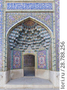 Masjed-e Nasir al-Molk, also known as pink mosque, Shiraz, Iran. Стоковое фото, фотограф Stefano Baldini / age Fotostock / Фотобанк Лори
