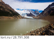 Купить «Lake at foot of Fitz Roy, Cerro Torre, Andes, Argentina», фото № 28791308, снято 1 февраля 2017 г. (c) Яков Филимонов / Фотобанк Лори