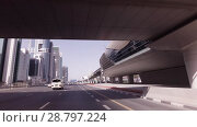 Day traffic in the business center of Dubai stock footage video (2018 год). Редакционное видео, видеограф Юлия Машкова / Фотобанк Лори