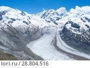 Distant steep rocky snow-capped alpine summit in Valais - Swiss Alps (2018 год). Стоковое фото, фотограф Григорий Стоякин / Фотобанк Лори
