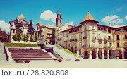 Купить «Main square of Manlleu, Spain», фото № 28820808, снято 16 июля 2017 г. (c) Яков Филимонов / Фотобанк Лори