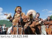 Купить «Концерт фольклорного танцевального коллектива коренных народов полуострова Камчатка», фото № 28825848, снято 11 июля 2015 г. (c) А. А. Пирагис / Фотобанк Лори