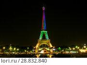 Купить «Tour Eiffel at night», фото № 28832840, снято 19 июля 2013 г. (c) Сурикова Ирина / Фотобанк Лори