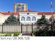 Купить «Посольство Российской Федерации в Баку. Азербайджан», фото № 28906128, снято 26 сентября 2017 г. (c) Евгений Ткачёв / Фотобанк Лори