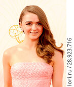 Maisie Williams at arrivals for 67th Primetime Emmy Awards 2015 _ Arrivals 2, The Microsoft Theater (formerly Nokia Theatre L.A. Live), Los Angeles, CA... Редакционное фото, фотограф Elizabeth Goodenough/Everett Collection / age Fotostock / Фотобанк Лори