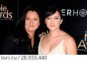 Zelda Williams, Marsha Garces Williams at arrivals for The Noble Awards, The Beverly Hilton Hotel, Beverly Hills, CA February 27, 2015. Photo By: Dee Cercone/Everett Collection. Редакционное фото, фотограф Dee Cercone/Everett Collection / age Fotostock / Фотобанк Лори