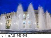 Купить «The Opera House in the historic city center is one of the city's landmarks (Odessa National Academic Theater of Opera and Ballet)», фото № 28943608, снято 23 августа 2016 г. (c) Caro Photoagency / Фотобанк Лори