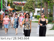 Купить «People in the pedestrian area of __Arcadia Park», фото № 28943664, снято 24 августа 2016 г. (c) Caro Photoagency / Фотобанк Лори
