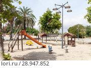 Купить «Valencia, Spain, abandoned playground», фото № 28947852, снято 9 июня 2017 г. (c) Caro Photoagency / Фотобанк Лори
