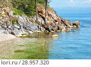 Купить «Lake Baikal in the summer. Rocky coast of Ushkany island», фото № 28957320, снято 18 августа 2011 г. (c) Виктория Катьянова / Фотобанк Лори