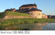 Купить «Крепость Хямеэнлинна крупным планом июльским утром. Финляндия», видеоролик № 28960352, снято 24 июля 2018 г. (c) Виктор Карасев / Фотобанк Лори