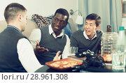 Купить «Males friendly meeting over beer», фото № 28961308, снято 23 февраля 2018 г. (c) Яков Филимонов / Фотобанк Лори