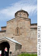 Купить «Троицкая церковь в Гергети ( Гергетис Цминда Самеба)  у подножья Казбека, Грузия», фото № 28961812, снято 18 августа 2013 г. (c) Олег Хархан / Фотобанк Лори