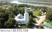 Купить «Aerial view of city landscape of Kasimov on Oka river with oldest Khan mosque, Russia», видеоролик № 28972724, снято 28 июня 2018 г. (c) Яков Филимонов / Фотобанк Лори