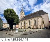 Купить «Стариная католическая церковь Св. Лоренца. Иббс на Дунае, округ Мельк, Австрия.», фото № 28986148, снято 8 июля 2018 г. (c) Bala-Kate / Фотобанк Лори