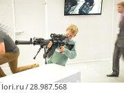 Купить «Мальчик с винтовкой», фото № 28987568, снято 22 августа 2018 г. (c) Виктор Юрасов / Фотобанк Лори