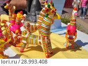 Купить «Олень. Филимоновская игрушка.», фото № 28993408, снято 25 августа 2018 г. (c) Лариса Вишневская / Фотобанк Лори