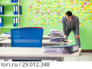 Купить «Businessman with many conflicting priorities», фото № 29012348, снято 23 мая 2018 г. (c) Elnur / Фотобанк Лори