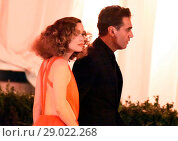 Купить «The Met Gala 2017 - Departures at the Metropolitan Museum of Art's Costume Institute in New York City Featuring: Bobby Cannavale, Rose Byrne Where: Manhattan...», фото № 29022268, снято 1 мая 2017 г. (c) age Fotostock / Фотобанк Лори