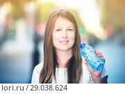 Купить «Woman drinking water from bottle», фото № 29038624, снято 15 августа 2017 г. (c) Яков Филимонов / Фотобанк Лори