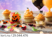 Купить «halloween party cupcakes or muffins on table», фото № 29044476, снято 6 июля 2017 г. (c) Syda Productions / Фотобанк Лори