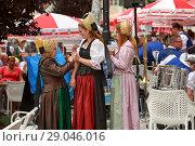 Купить «Женщины в австрийском национальном наряде на празднике в городе Мельк, Нижняя Австрия», фото № 29046016, снято 8 июля 2018 г. (c) Bala-Kate / Фотобанк Лори