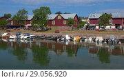 Купить «Летнее утро в старом порту Ханко. Финляндия», видеоролик № 29056920, снято 14 июля 2018 г. (c) Виктор Карасев / Фотобанк Лори