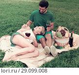 Купить «Girlfiend is relaxing on the lap of male», фото № 29099008, снято 10 августа 2017 г. (c) Яков Филимонов / Фотобанк Лори