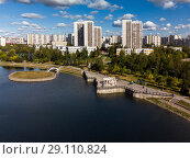 artificial pond in Zelenograd in Moscow, Russia (2018 год). Стоковое фото, фотограф Володина Ольга / Фотобанк Лори