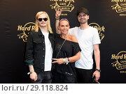 Купить «Hard Rock Cafe Berlin celebrates 25 years anniversary at Hard Rock Cafe at Kurfuerstendamm. Featuring: Wilson Gonzalez Ochsenknecht, Natascha Ochsenknecht...», фото № 29118824, снято 18 мая 2017 г. (c) age Fotostock / Фотобанк Лори