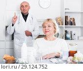 Купить «MAture woman and doctor», фото № 29124752, снято 14 ноября 2017 г. (c) Яков Филимонов / Фотобанк Лори