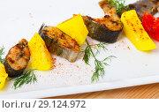 Trout steaks with potatoes. Стоковое фото, фотограф Яков Филимонов / Фотобанк Лори