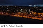 Купить «Barcelona cityscape in evening with a modern apartment buildings, Spain», видеоролик № 29147332, снято 23 марта 2018 г. (c) Яков Филимонов / Фотобанк Лори