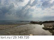 Купить «Место впадения реки Сукко в Черное море. Пасмурный день», фото № 29149720, снято 28 июля 2018 г. (c) Наталья Гармашева / Фотобанк Лори