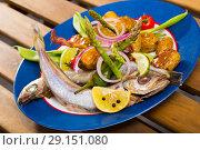 Stewed Blue Whiting fish with potatoes. Стоковое фото, фотограф Яков Филимонов / Фотобанк Лори
