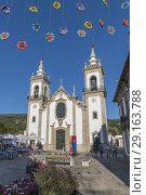 Festival decoration in Vila Nova de Cerveira church area, Portugal (2018 год). Редакционное фото, фотограф Carlos Dominique / age Fotostock / Фотобанк Лори