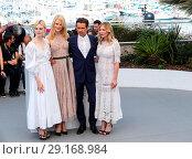 Купить «70th Cannes Film Festival - 'The Beguiled' - Photocall Featuring: Elle Fanning, Nicole Kidman, Colin Farrell, Kirsten Dunst Where: Cannes, France When: 24 May 2017 Credit: John Rainford/WENN.com», фото № 29168984, снято 24 мая 2017 г. (c) age Fotostock / Фотобанк Лори