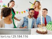 Купить «office team greeting colleague at birthday party», фото № 29184116, снято 3 сентября 2017 г. (c) Syda Productions / Фотобанк Лори