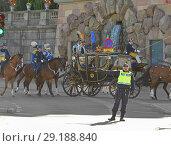 Купить «The King and The Queen in carriage are going to opening 2018/2019 Parliamentary Session. Стокгольм, Швеция», фото № 29188840, снято 25 сентября 2018 г. (c) Валерия Попова / Фотобанк Лори