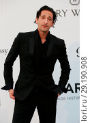 Купить «70th Cannes Film Festival - amfAR's Cinema against AIDS Gala - Arrivals Featuring: Adrien Brody Where: Cannes, France When: 25 May 2017 Credit: Lexi Jones/WENN.com», фото № 29190908, снято 25 мая 2017 г. (c) age Fotostock / Фотобанк Лори