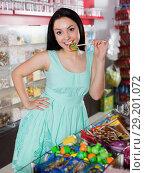 Portrait of sexy young woman with lollipop. Стоковое фото, фотограф Яков Филимонов / Фотобанк Лори