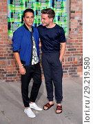 Kostja Ullmann, Jannik Schuemann at Hugo by Hugo Boss fashion show... (2018 год). Редакционное фото, фотограф AEDT / WENN.com / age Fotostock / Фотобанк Лори