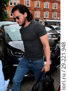 Kit Harington seen publicly for the first time since his wedding ... (2018 год). Редакционное фото, фотограф Michael Wright / WENN.com / age Fotostock / Фотобанк Лори