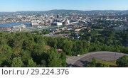 Купить «Вид сверху на центральную часть города Осло со стороны района Ekeberg, Норвегия», видеоролик № 29224376, снято 12 июля 2018 г. (c) Кекяляйнен Андрей / Фотобанк Лори
