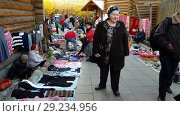 Купить «Moscow, Russia - October 14. 2018. Trade rows in Izmailovo Kremlin», видеоролик № 29234956, снято 15 октября 2018 г. (c) Володина Ольга / Фотобанк Лори