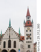 Купить «Late Gothic architecture, Old Town Hall and Talburgtor tower, oriel, historic centre, Munich, Upper Bavaria», фото № 29312360, снято 27 января 2018 г. (c) Николай Коржов / Фотобанк Лори